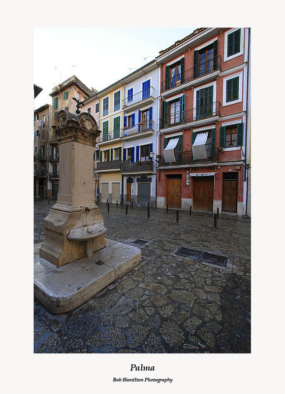 Palma-square and fountain in old town