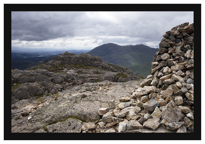 46E4044 The summit of Pike of Blisco with Wetherlam beyond