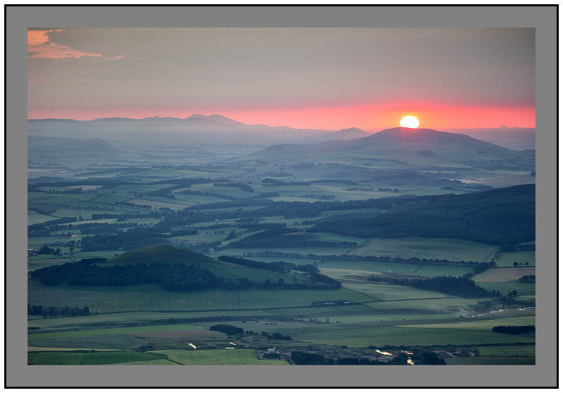 L1001239 Sunrise over the Pentland Hills