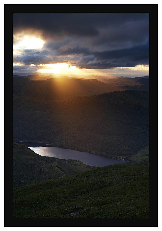 46E4109 Daybreak over Loch Lubnaig from Ben Ledi