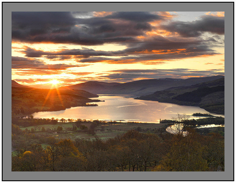 A07933 Sunrise over Loch Tay