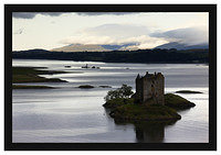 46E4410 Castle Stalker with the hills of Mull beyond