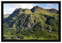 46E3915 The Langdale Pikes from Side Pike