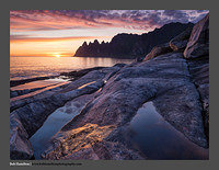 O122475 Senja Tungeneset at midnight