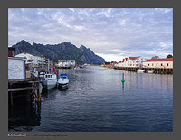 O123527 Lofoten evening harbour Henningsvaer