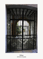 Palma-courtyard and wrought iron gates on Sant Miquel