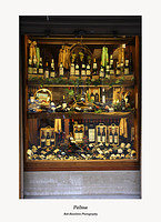 Palma-wine merchant's shop window on Porta Pintada
