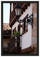 46E6871 Street lamp and balcony-Potes