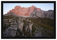 46E6379 First light on Chalet Real below Cordal de Juan de La Cuadra