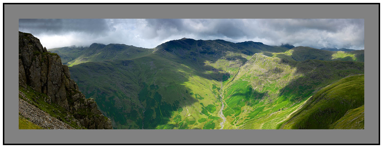 England's finest ground?-in the shadow of Pike o'Stickle from Crinkle Crags over Bowfell and Esk Pike to Great Gable and Green Gable