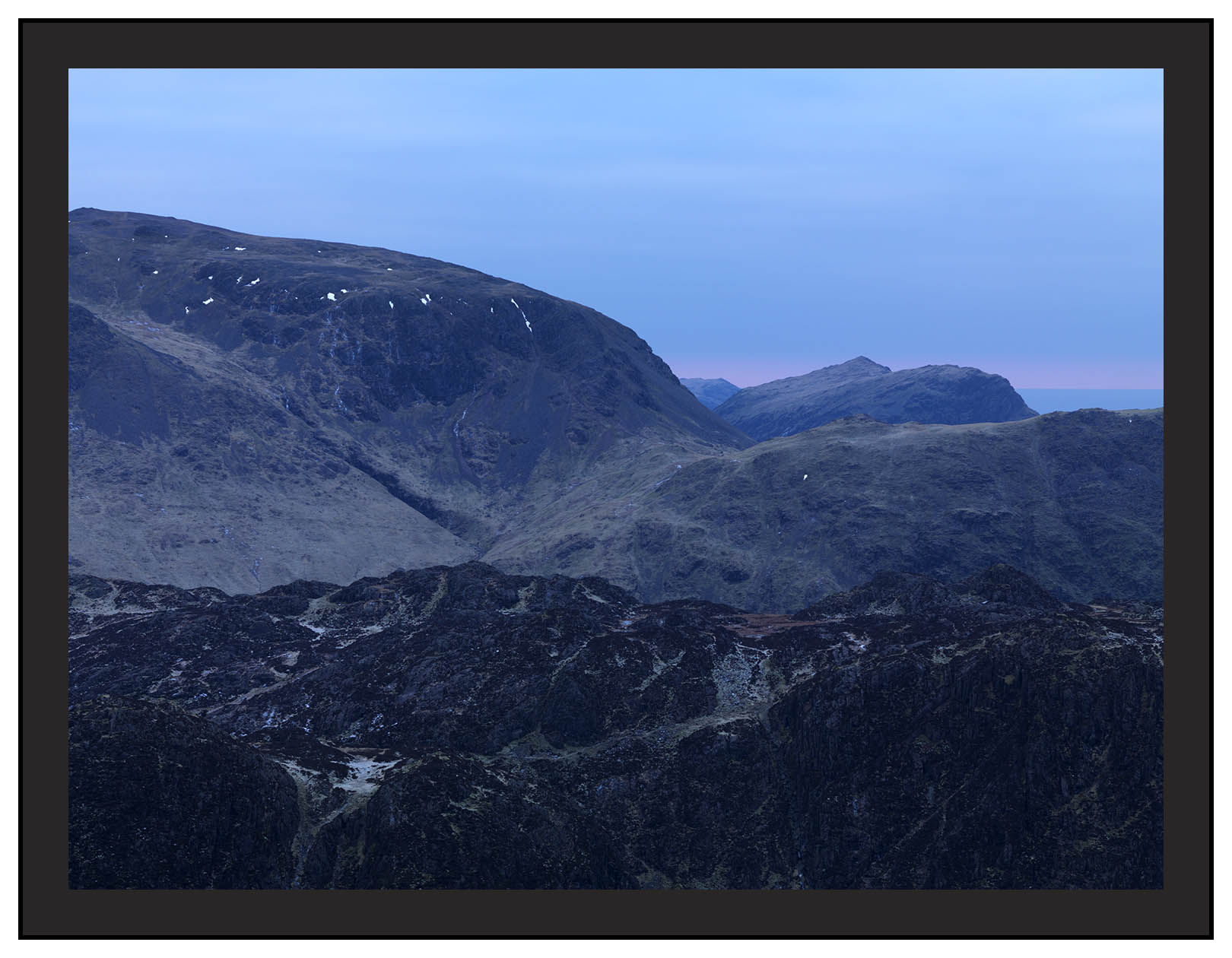 A 00642 First light on Kirk Fell and Red Pike from Fleetwith Pike