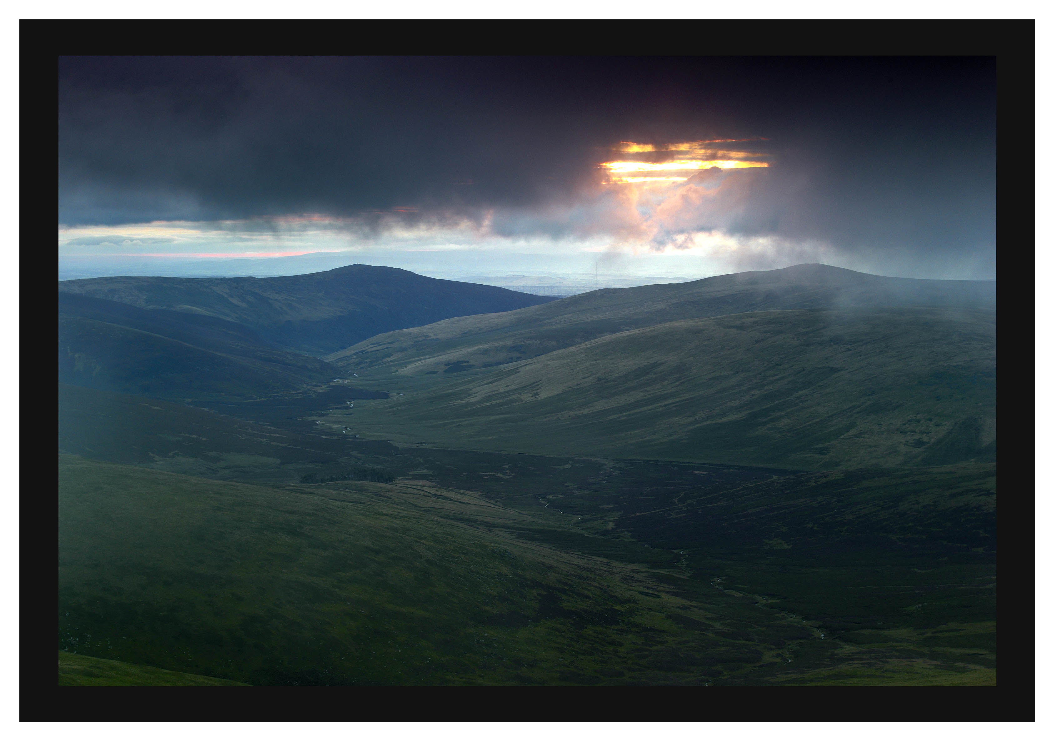 L1001256 Daybreak over Great Calva from Skiddaw Little Man