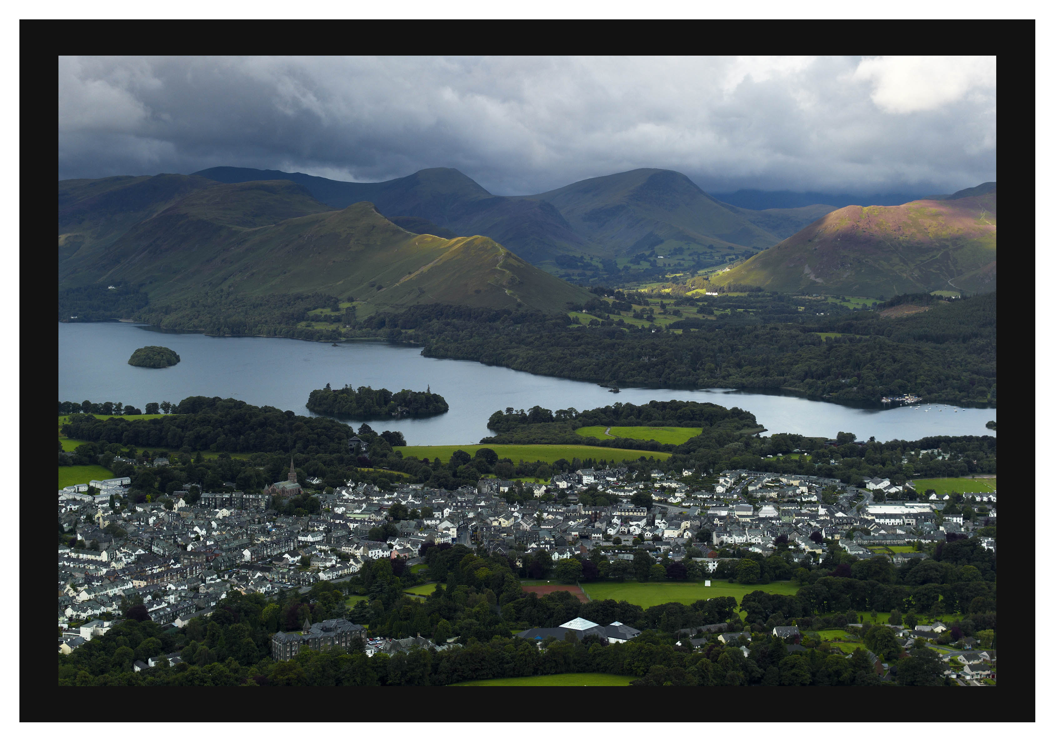 L1001287 Derwent Water and the Newlands Valley fells over Keswick from Latrigg