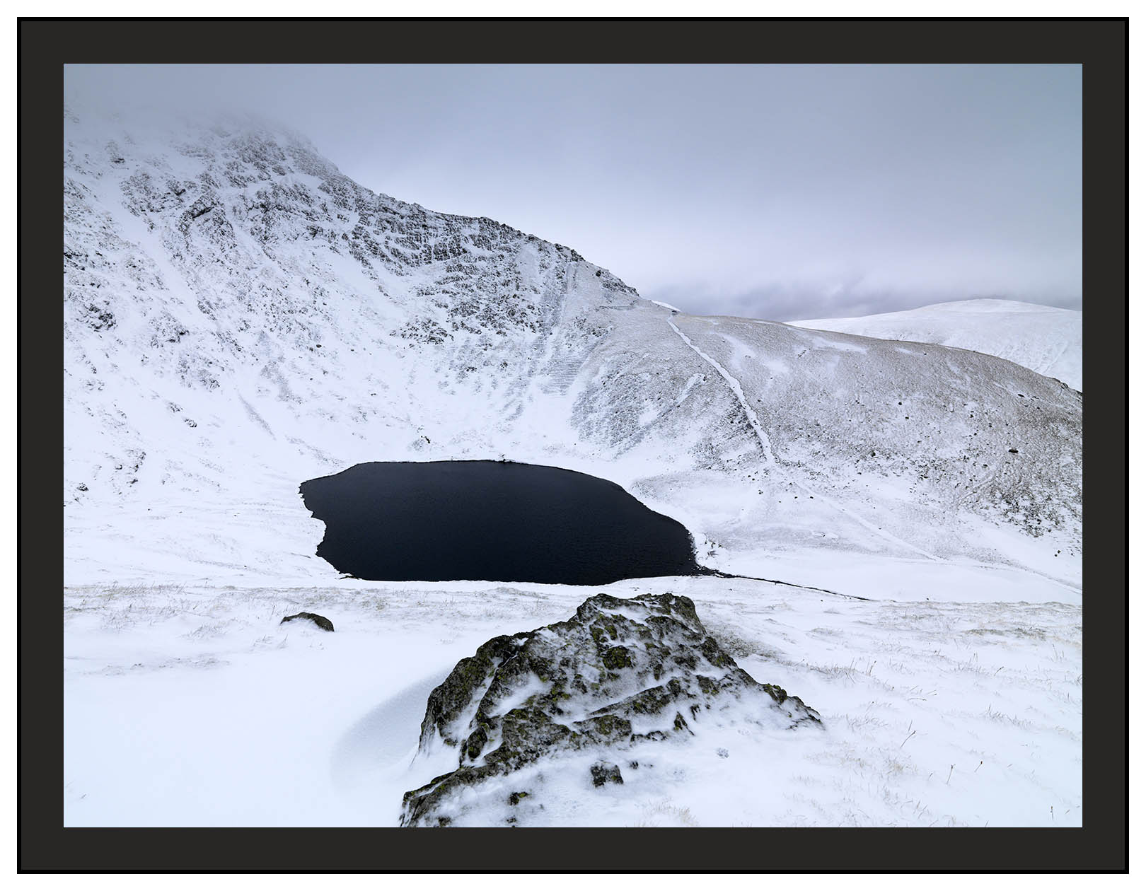 A 00985 Sharp Edge over Scales Tarn