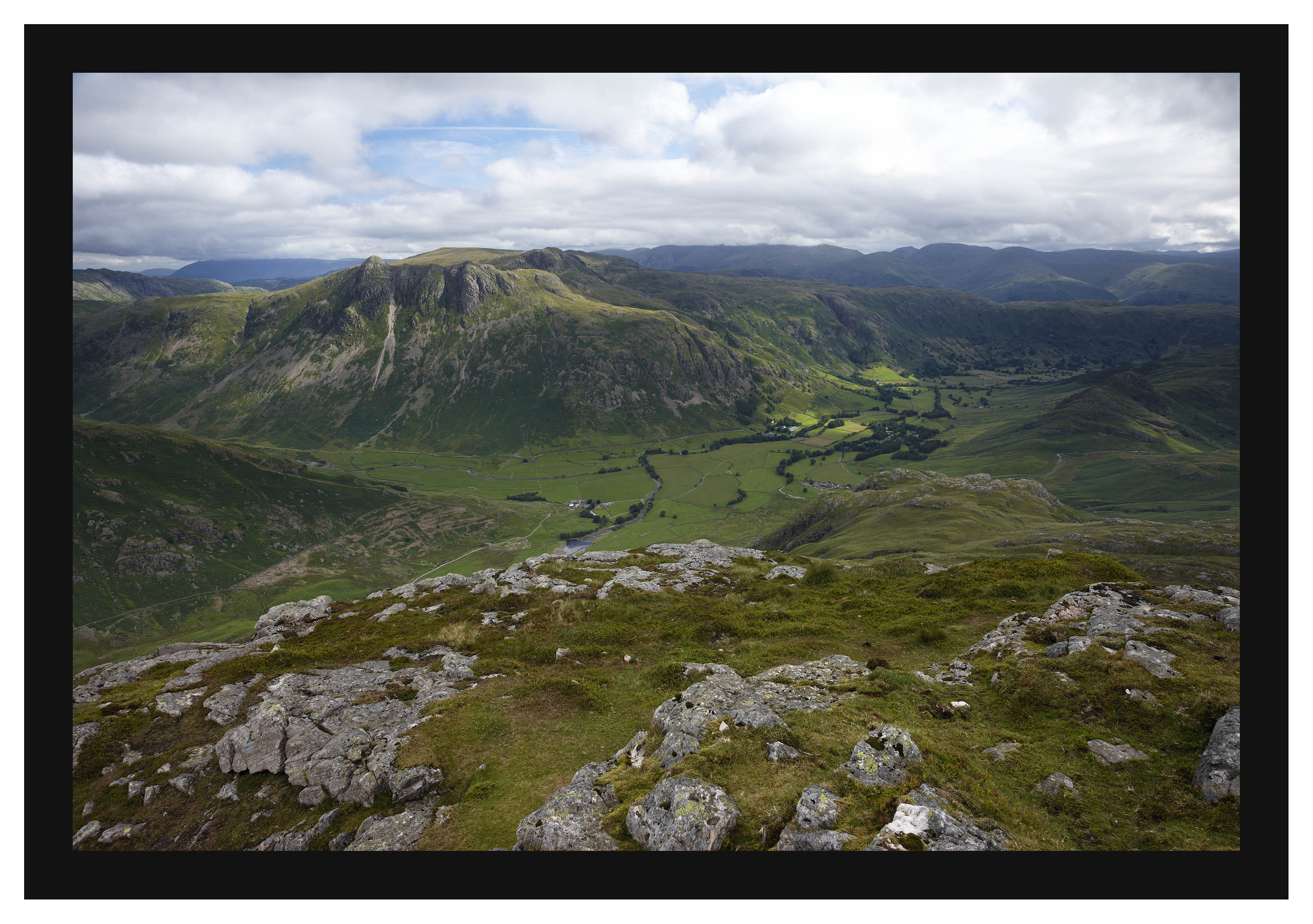 46E3980 The Langdale Pikes and Greater Langdale from Pike of Blisco