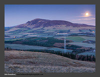 O126813 Moon over Tinto Hill
