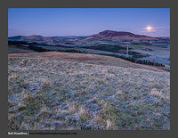 O126815 Moon over Tinto Hill