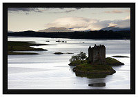 46E4417 Castle Stalker with the hills of Mull beyond