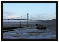 46E7509 Stormy day at South Queensferry